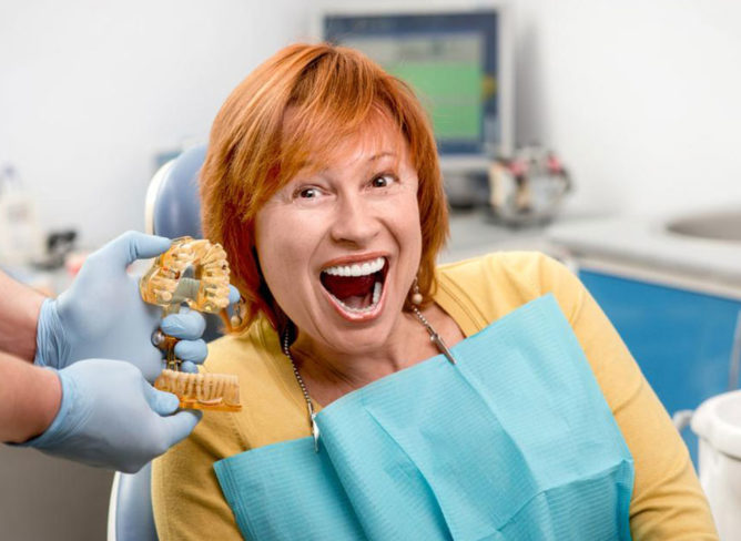 Dental implants for seniors: 3 things to keep in mind