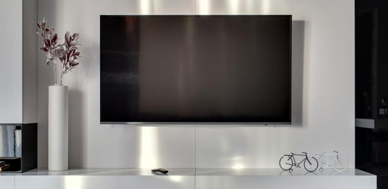 Picking the right 80-Inch TV for your living room