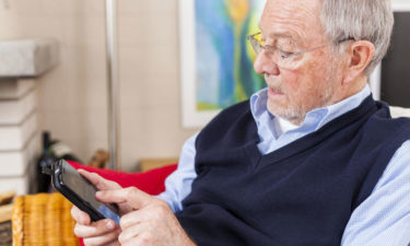 Affordable cell phone plans for seniors in the country