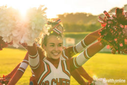 What-To-Eat-If-You're-A-Cheerleader