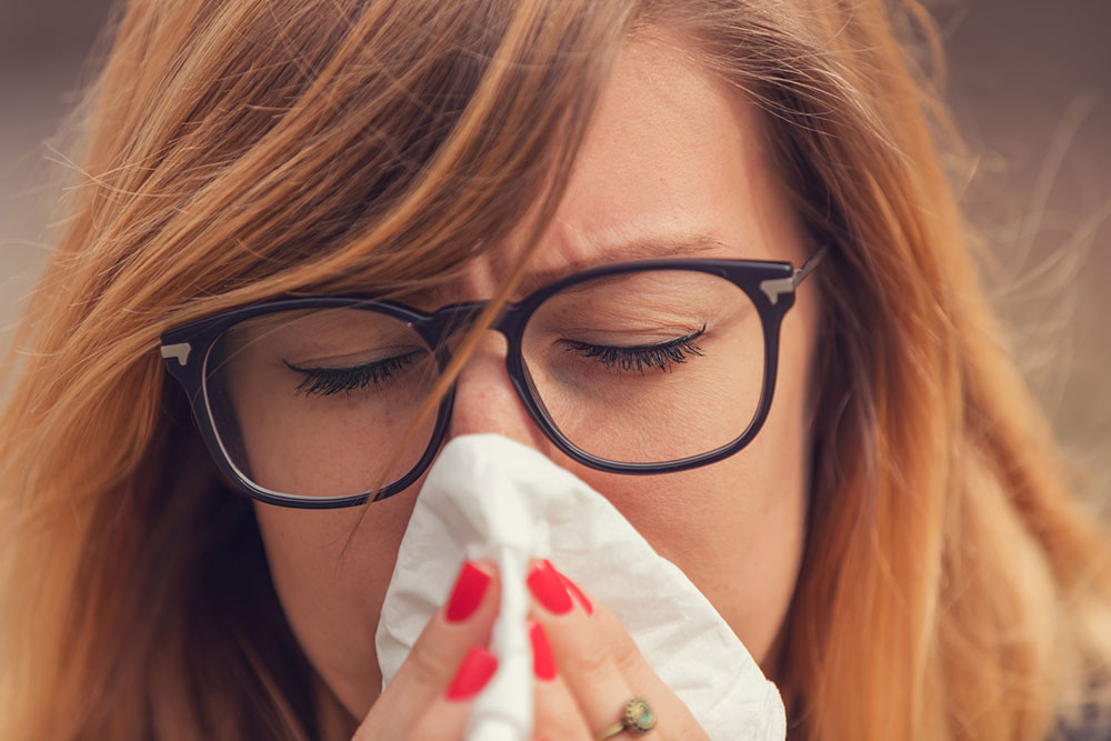 Seasonal Allergy Triggers, Symptoms and Medications