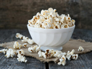 5 snacks that can help lower cholesterol levels