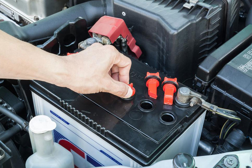 Tips to maintain your car batteries
