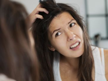 Symptoms and Prevention of Dandruff and Dry Scalp