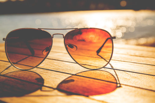 Tips for choosing the right sunglasses as per the face shape