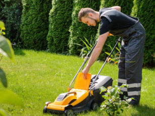 Points to remember when operating lawn movers