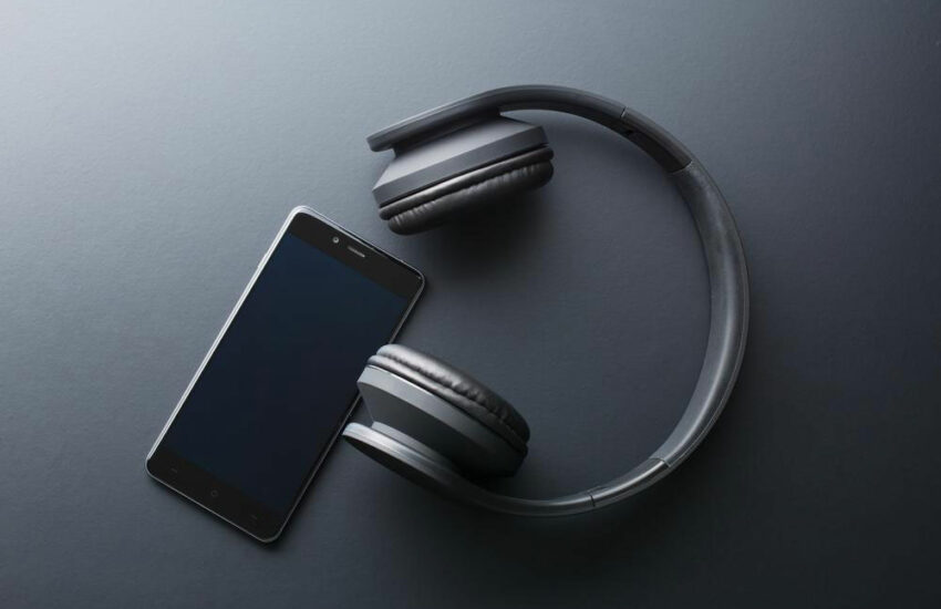 Digital wireless headphones – Features, types and more