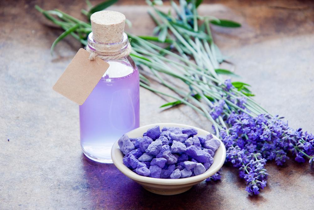 grow hair with lavender oil