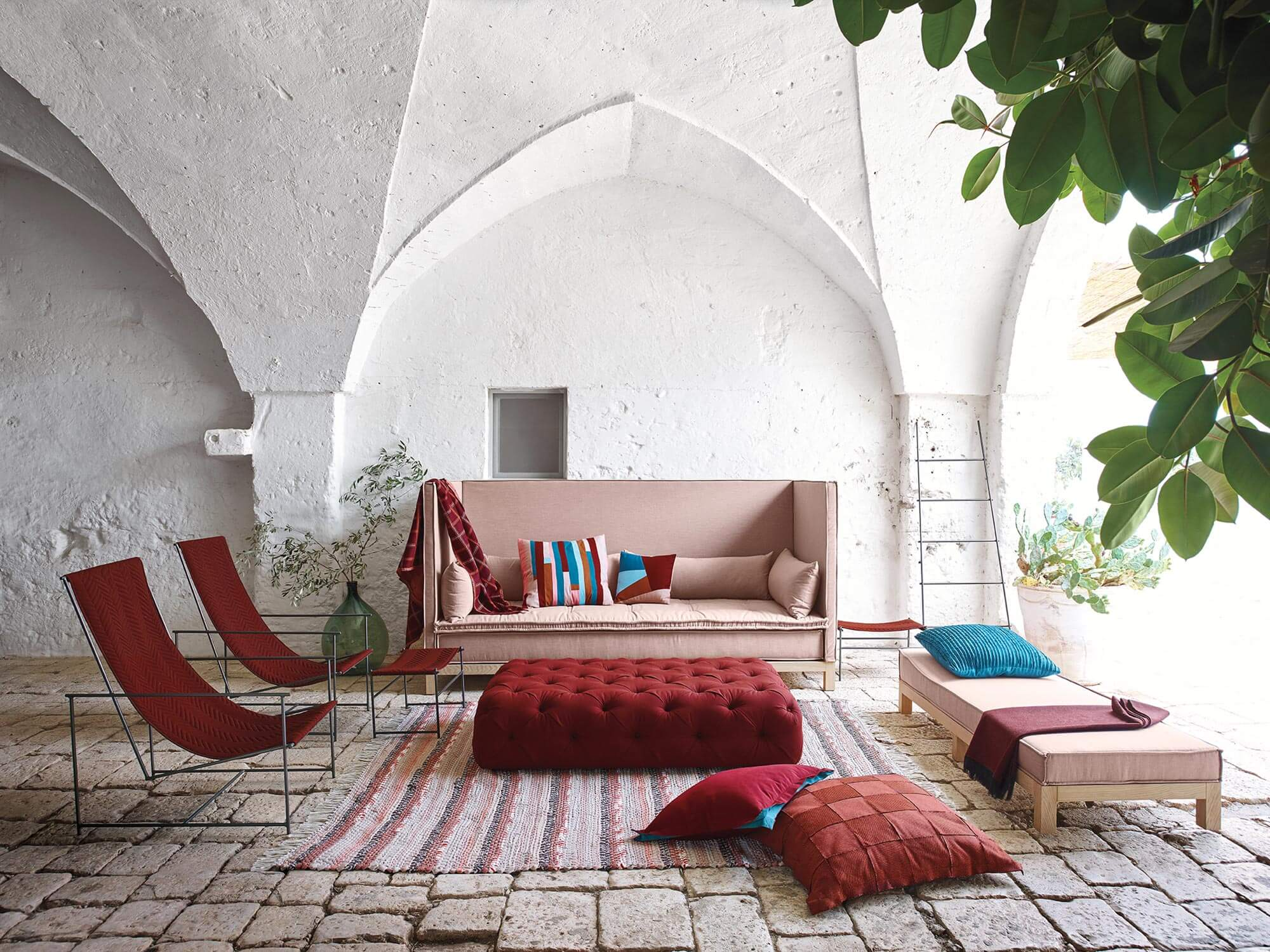 living rooms with ottoman