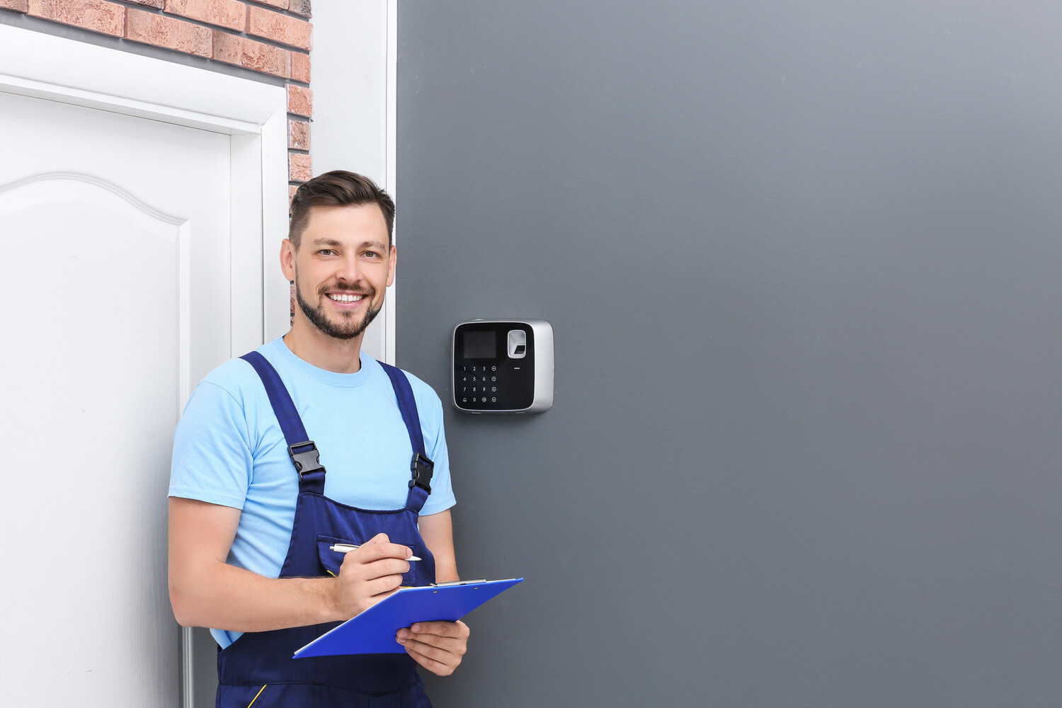 What Families Need to Look for in a Security System