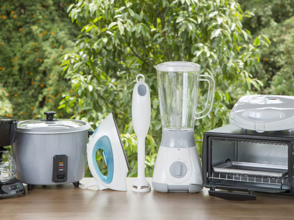 3 white kitchen appliance bundles for your home