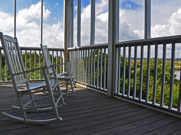 Top 3 websites to buy rocking chairs at best prices